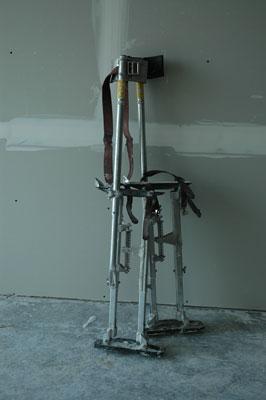 drywalling stilts