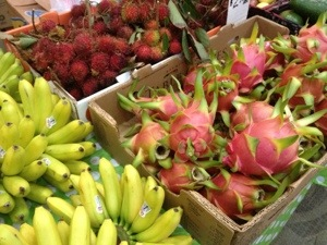 dragon fruit and apple bananas